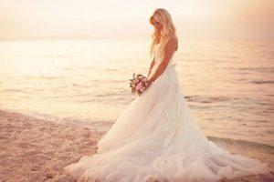Beach_wedding_-_14414226350 500×334